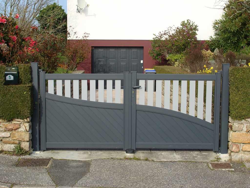 Menuiseries ext rieures volets portes de garage portails dans le cotentin - Portail coulissant de garage ...