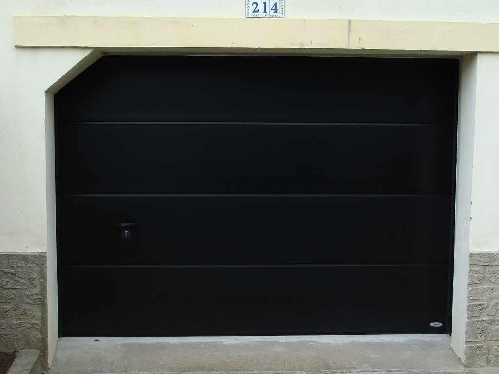 Menuiseries ext rieures volets portes de garage for Porte de garage vendome