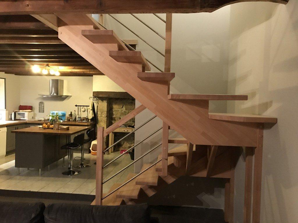 Menuiserie dans le cotentin fabrication et agencement - Escalier limon centrale ...